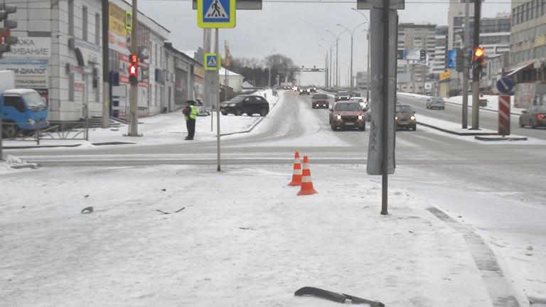 На Гурзуфской Volkswagen, уходя от столкновения с легковушкой, сбил пешеходов