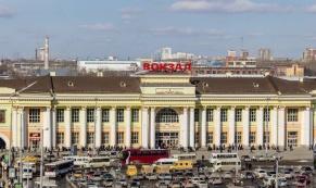 Время парковки у Железножорожного вокзала в Екатеринбурге ограничат