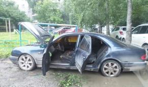 В ночь с 15 на 16 июля в Екатеринбурге сгорели Mercedes и Opel
