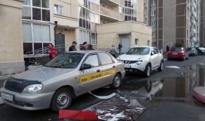 Последствия урагана, прошедшего 12 июля в Екатеринбурге