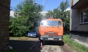 """На улице Энтузиастов """"КамАЗ"""" насмерть сбил пешехода"""