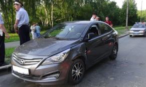 В Екатеринбурге 15-летняя школьница попала под колеса автомобиля