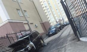 В Екатеринбурге за 4 дня сгорело 13 автомобилей