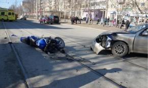"""В Нижнем Тагиле девушка на """"Ниссан Альмера"""" насмерть сбила мотоциклиста"""