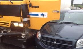 В Екатеринбурге водитель КАМАЗа протаранил три легковушки и скрылся