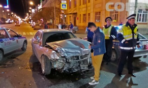 Накануне в центре Екатеринбурга столкнулись две иномарки