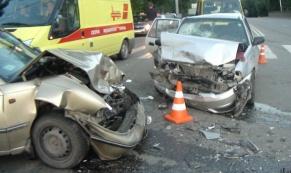 "На Белинского - Фурманова столкнулись две ""Нексии"": четверо пострадало"