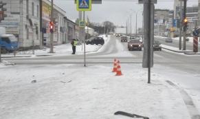 """Водитель автомобиля """"Volkswagen """", уходя от столкновения, сбил двух пешеходов"""